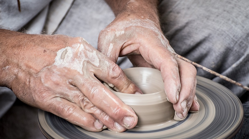 Pottery hands; Courtesy Pixabay