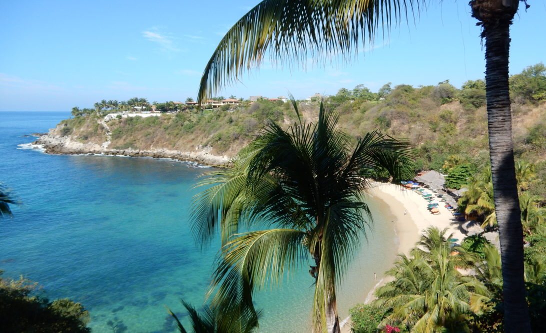 Playa Carrizalillo, one of our favourite beaches in Puerto Escondido (photo by Arlene Prunkl)